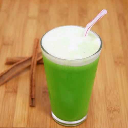 Suco Verde Detox com Canela