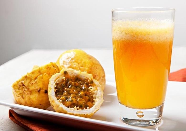 suco detox com maracuja e limão